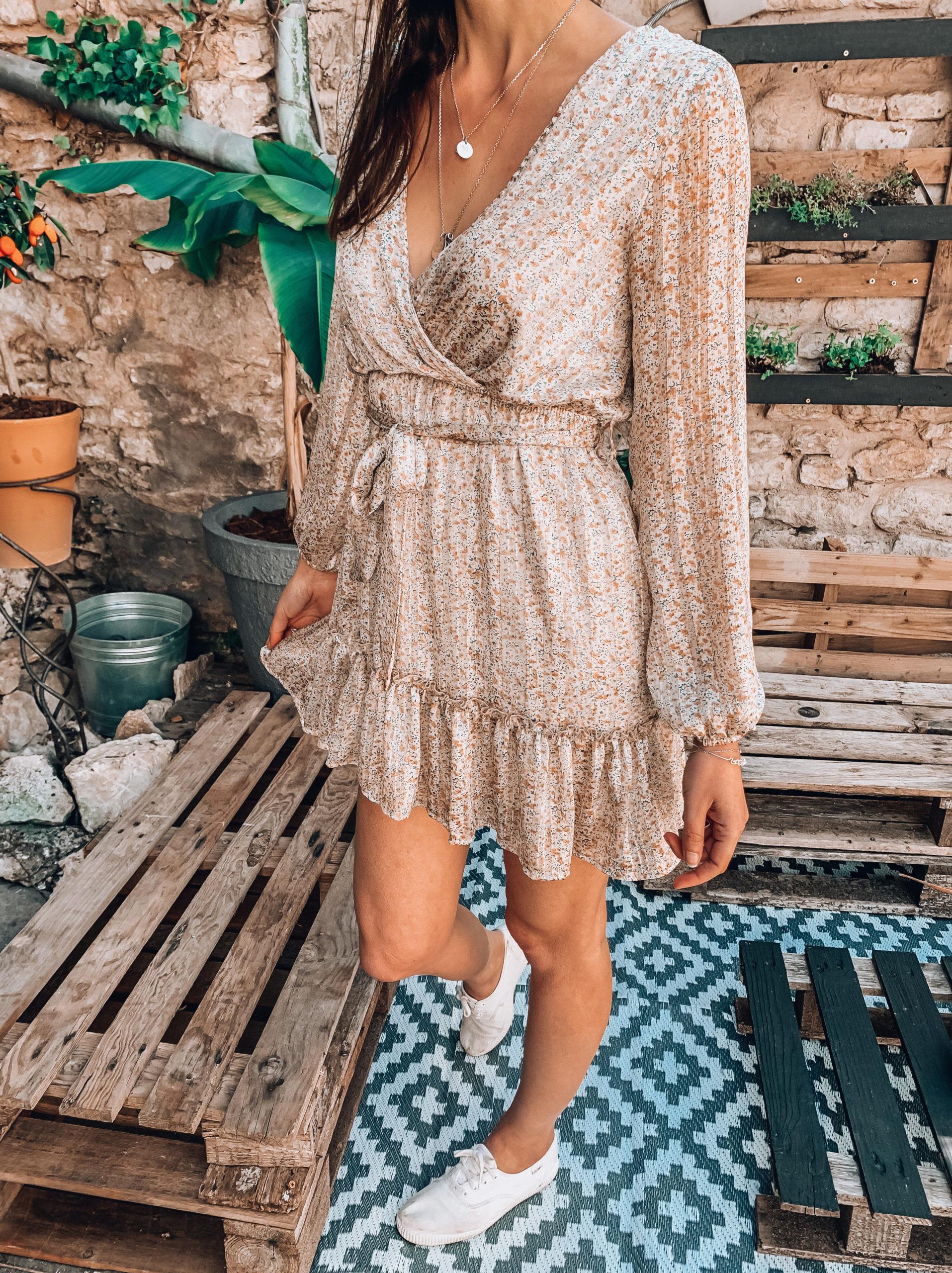 robe cache coeur, robe beige, robe coeur croisé, robe été